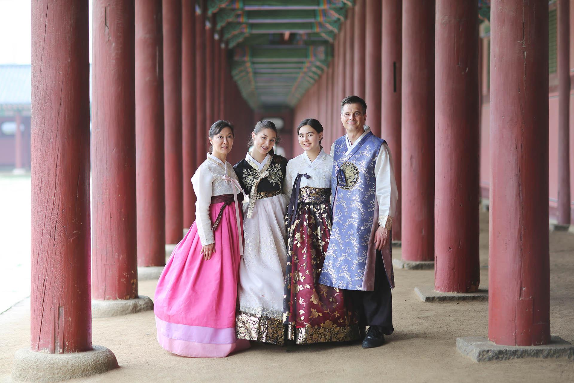 Family-Trip-to-Korea_06.jpg