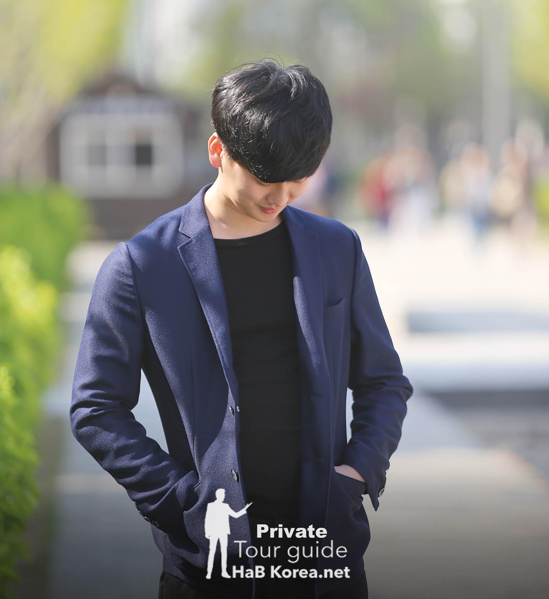 Walking Around Hongdae With Korean Oppa Charlie U2013 HaB Korea.net