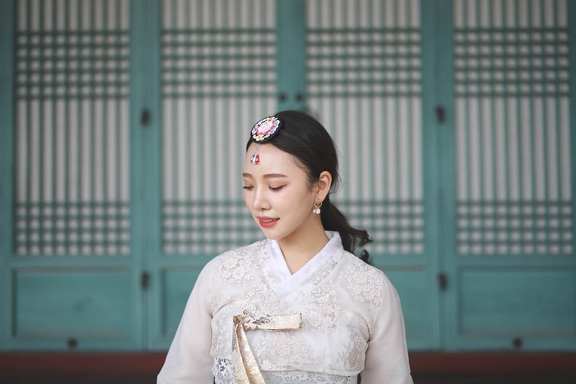 Golden Hour Photoshoot at Changgyeonggung Palace